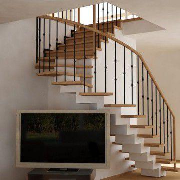 Laiptai ant metalinės konstrukcijos ir erdviškai suktu porankiu MT 18