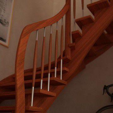 Mediniai laiptai su medinėm laikančiom sijom ME 03