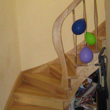 Uždari mediniai laiptai ME 22