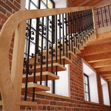 Tiesūs išlengvinti mediniai laiptai SA 15