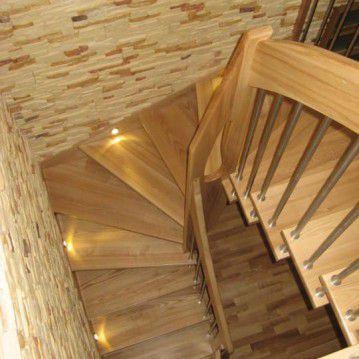 Sąvaržiniai išlengvinti laiptai su varteliais SA 21