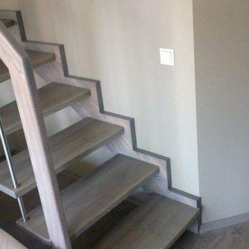 Sąvaržiniai išlengvinti laiptai su karpyta sija SA 35