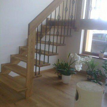 Sąvaržiniai išlengvinti laiptai su aikštele SA 57