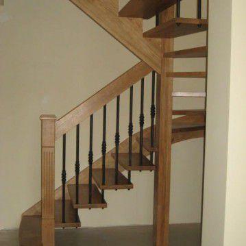 Ąžuoliniai sąvaržiniai išlengvinti laiptai SA 78