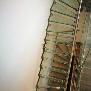Stikliniai laiptai su nerūdijančio plieno turėklu ST 13