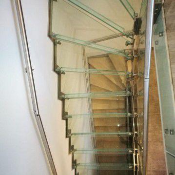 Stikliniai laiptai su nerūdijančio plieno turėklu ST 27