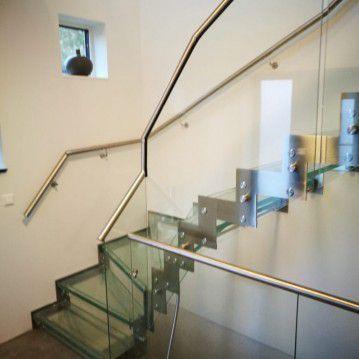 Stikliniai laiptai su nerūdijančio plieno turėklu ST 34
