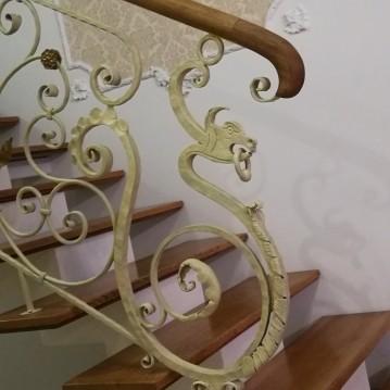 Laiptai ant metalinės konstrukcijos MT 62