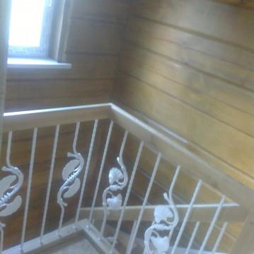 Laiptai ant medinės konstrukcijos ME 52